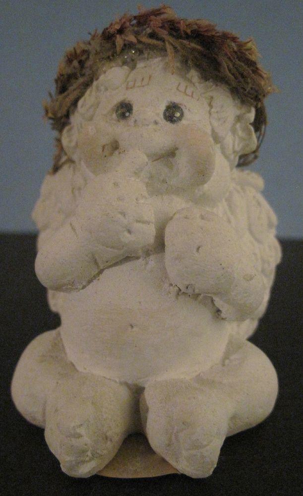 Little Darlin Dreamsicle Angel Cherub Finger To Lips Kristin 1994 Cast Art