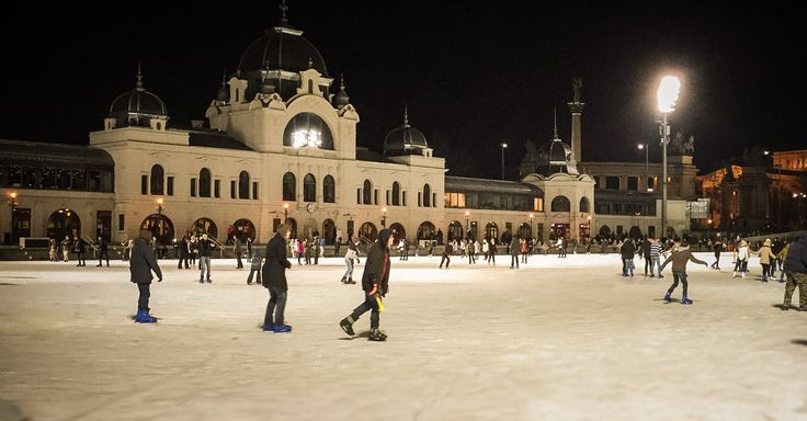 City Park Ice Rink in Budapest. ⠀⠀⠀ ⠀⠀⠀ Visit Budapest in a week with our smart city guide!⠀⠀⠀⠀ #Hungary #Budapest #IceRink