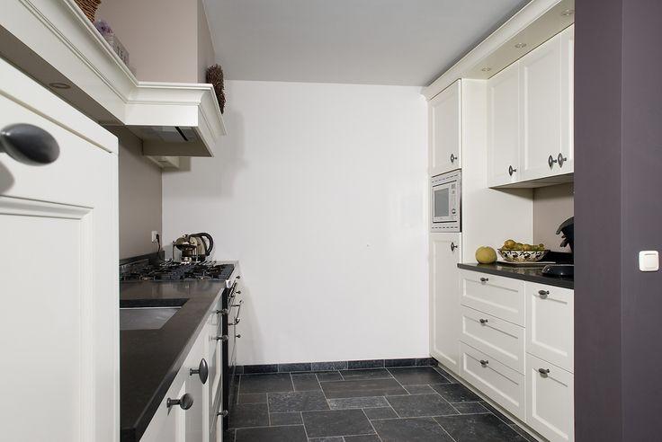 Vri interieur landelijke keuken modern wit met houten laden en fornuis keuken pinterest - Idee deco keuken grijs ...