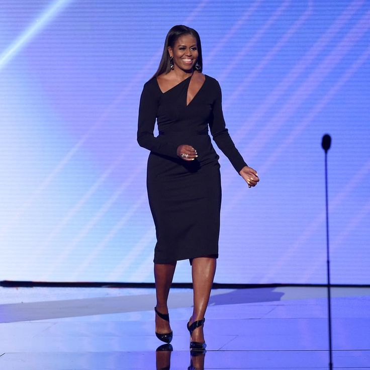 """1,190 Likes, 23 Comments - POPSUGAR Fashion (@popsugarfashion) on Instagram: """"Last night Michelle Obama made an appearance at the ESPYS in the most stunning Cushnie et Ochs…"""""""