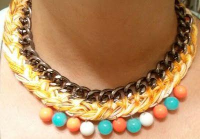 trenza con hilo de punto de cruz,cadena y bolas de colores. #cadena #collares #accesorios #hechoamano #handmade #complementos
