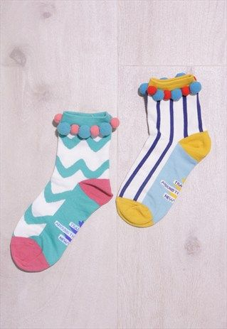 POM POM STRIPE PRINT SOCK                                                                                                                                                                                 Mais