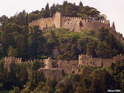 Το κάστρο της Ναυπάκτου.-The castle of Nafpaktos in Greece. #Greece #Castle