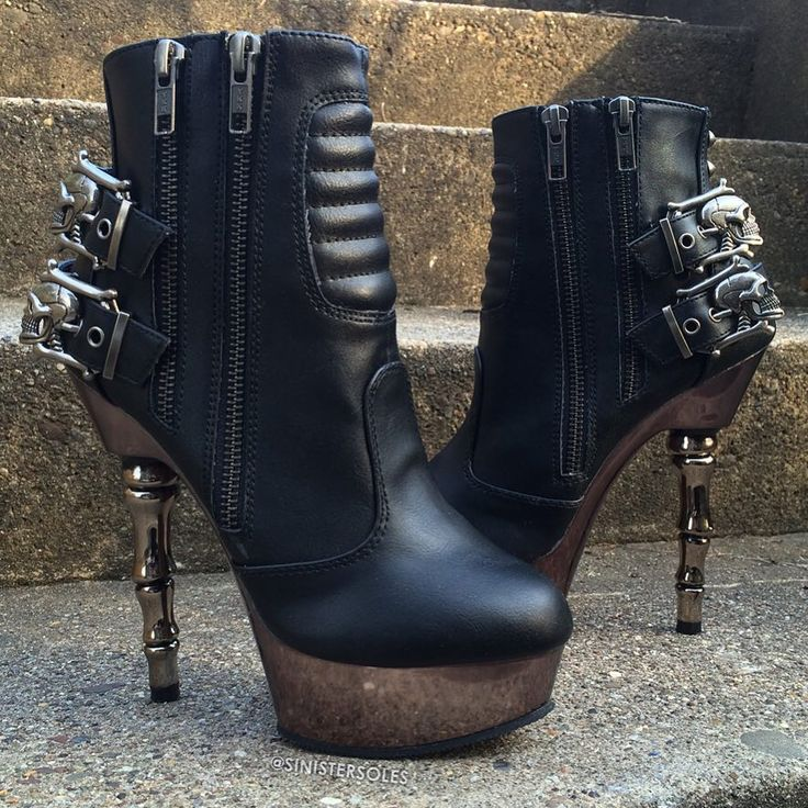 """1,050 To se mi líbí, 13 komentářů – Sinister Soles (@sinistersoles) na Instagramu: """"Skull buckle ankle #boots w/ finger-bone heel, moto styling, and exposed zippers. Search MUERTO at…"""""""