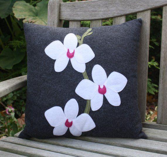 Beyaz Orkide El Yapımı Siyah Yastık - Ev Tekstili 84607 | zet.com