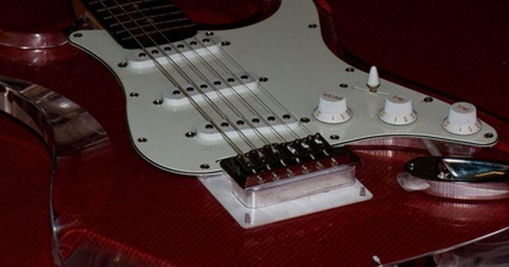 Cómo utilizar una palanca de vibrato de guitarra. La palanca de vibrato era una antigua adición popular a la tecnología de la guitarra eléctrica. A medida que los músicos aprendieron a usar máquinas y aparatos electrónicos para mejorar su música, la palanca de vibrato representa una forma de baja tecnología para hacer que sus notas suenen diferente. La palanca de vibrato se utiliza a menudo en ...