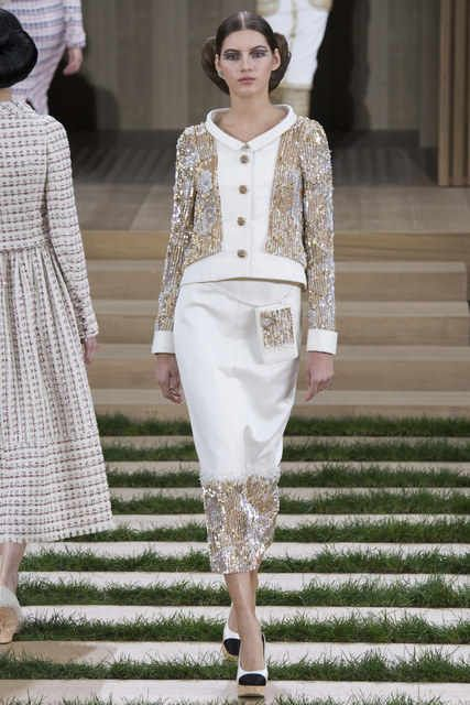 Chanel, Look #22