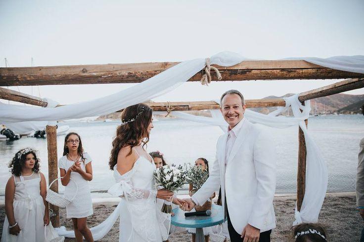 Their smile is our reward... #patmos #patmosaktis #weddings  More: goo.gl/nkH7Fl www.patmosaktis.gr Photo: 1 Yastikta