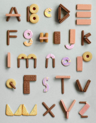 Beautiful Typography Alphabet Design (38)