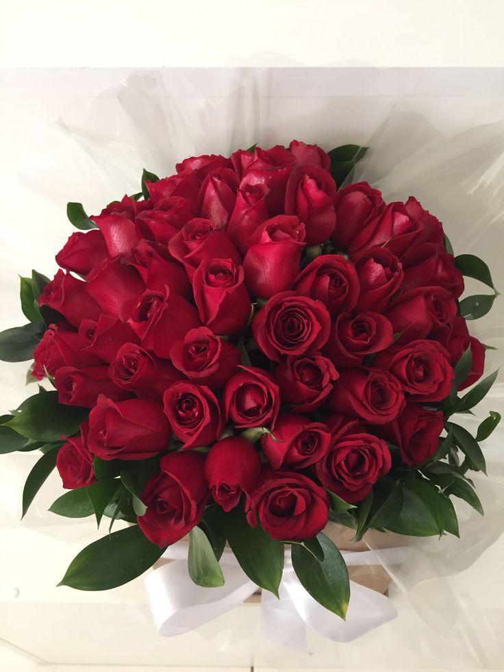 Buquê de Rosas Vermelhas GG - Buque de flores - Flores em São Paulo - Envie flores dos melhores floristas em todo Brasil pelo App da Pollen!