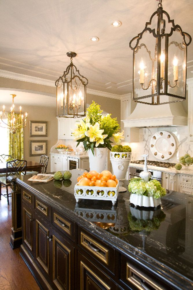20 Ways to Create a French Country Kitchen   ...dark cab and dark counter