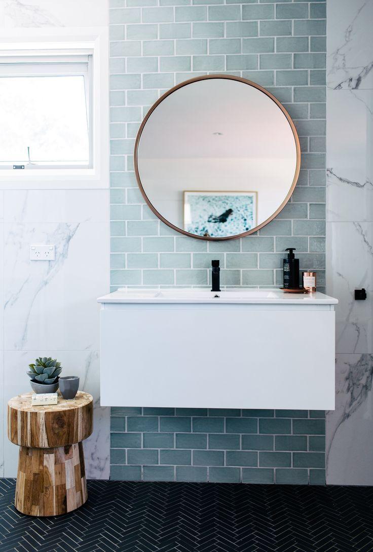 25 beste idee n over tegel spiegel op pinterest tegel spiegel kaders tegel rond spiegel en for Spiegel wc deco