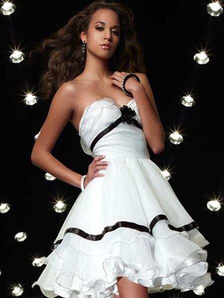 White Sweetheart Beadings Short Cocktail Dress