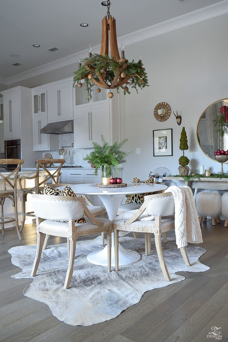 christmas-home-tour-round-gold-mirror-christmas-styling-decor-white-tulip-table-natural-garland-7