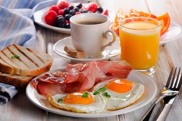 Olvídate del típico huevo con jamón para el desayuno, prepara estas deliciosas recetas de huevo, son muy prácticas y fáciles de hacer.
