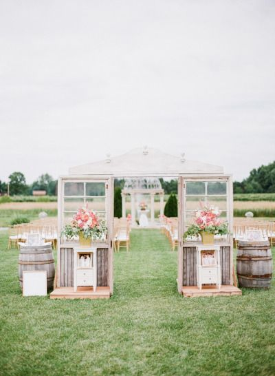 @DiamantEstate loves this: Preppy ceremony idea: http://www.stylemepretty.com/2015/05/13/preppy-gold-michigan-vineyard-wedding/ | Photography: Amanda Crean - http://www.amandacrean.com/