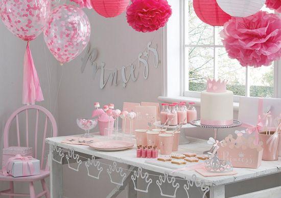 Sweet table anniversaire princesse rose pastel et glitter doré