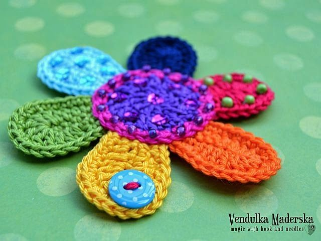 Flower Applique, free pattern by Vendulka Maderska. ♥