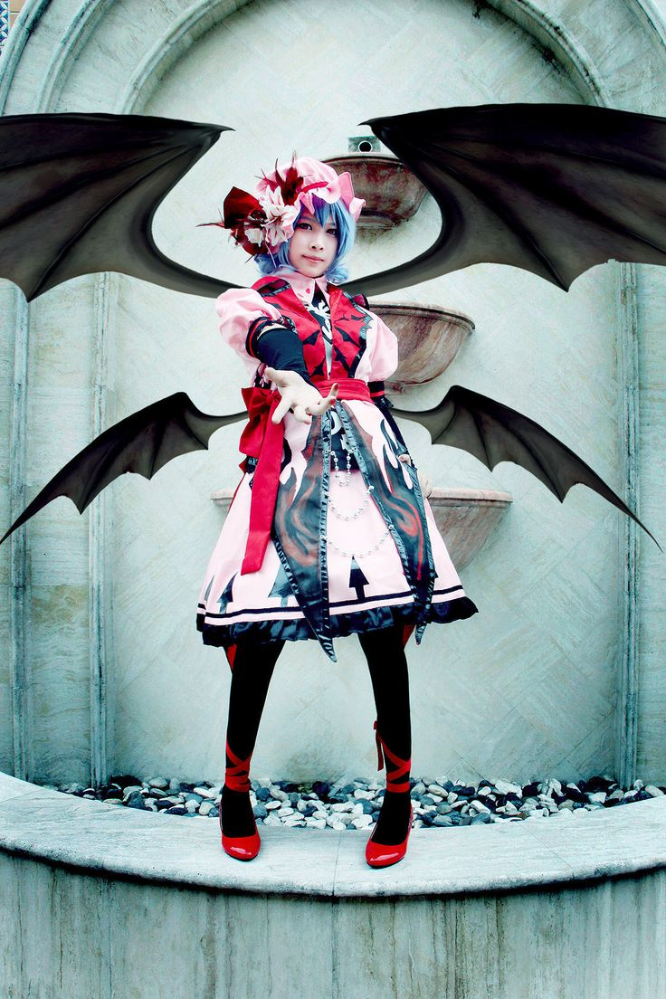 Remilia Scarlet cosplay