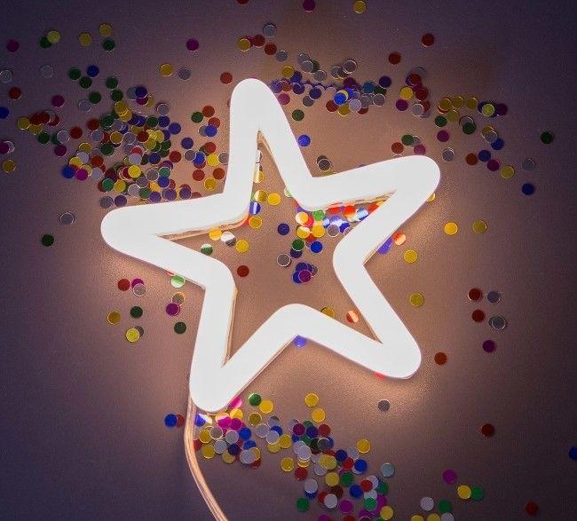 Neon Poodle Star Light Star Bright LED Lamp ✓Shop Neon Poodle Lampen nu online bij Little Wannahaves ✓Bezoek onze winkel in Utrecht ✓Unieke items voor Kinderen