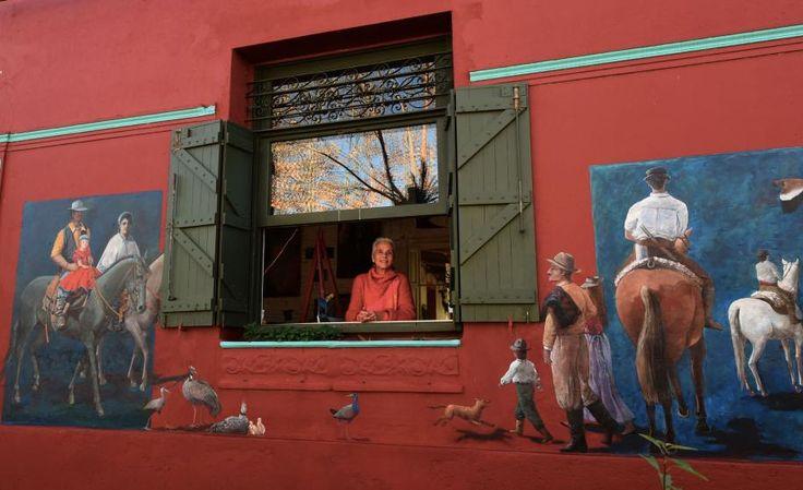 La artista Léo Arti cumple 5 años de pintura callejera en 25 de Agosto.