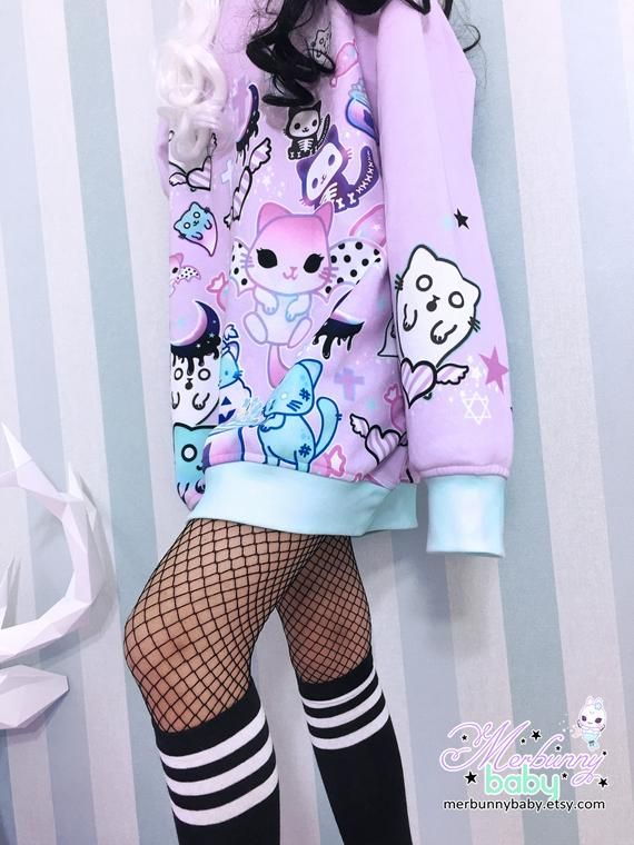 Magic cats – Oversized sweatshirt – kawaii, pastel goth, creepy cute, melty crescent, bat cats, ghost, halloween, harajuku, purple – SS5