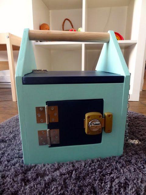 17 meilleures images propos de maison serrures sur pinterest montessori roues et planches. Black Bedroom Furniture Sets. Home Design Ideas
