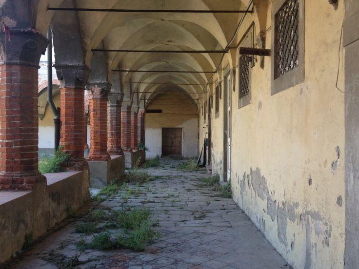 Il chiostro di Sant'Agostino abbandonato a #Lucca #MonumentsMenWe
