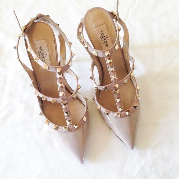 Valentino Shoes - Nude Valentino rockstud heels 38
