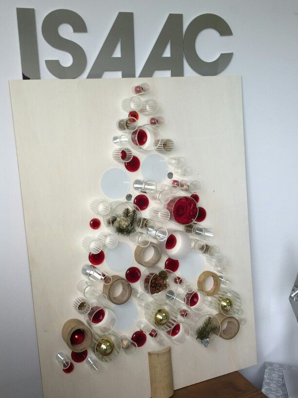 #ISAACLIGHT for the leukemia  Christmas tree made with glass tubes and crystal painted details. Make an ecological choise and help the LE.VISS leukemia survivor vokunteer fondation! Contact us! www.isaaclight.com