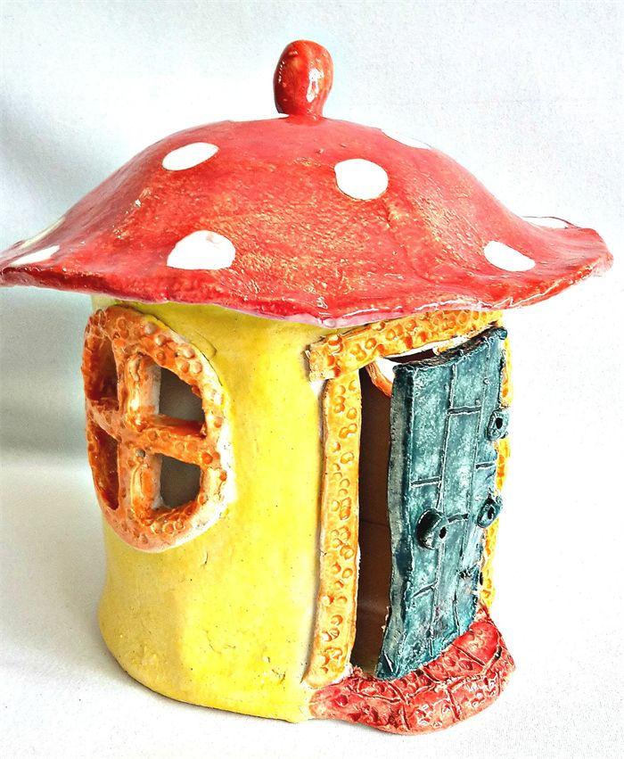 Pottery Fairy House with Removable Lid. Circular House.