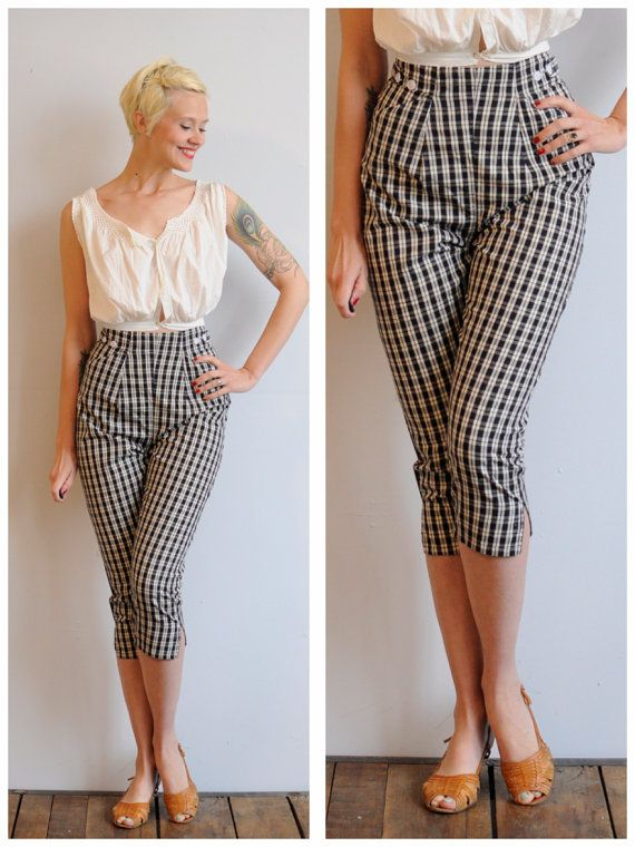1950s Capris // Plaid Pedal Pushers // vintage by dethrosevintage, $56.00