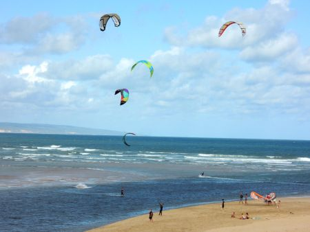 Kite Surfing at Stilbaai (photo: @MyStilbaai)