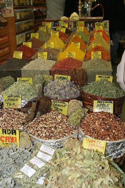 Spice Market (Mısır Çarşısı) Istanbul, Turkey by exfordy.