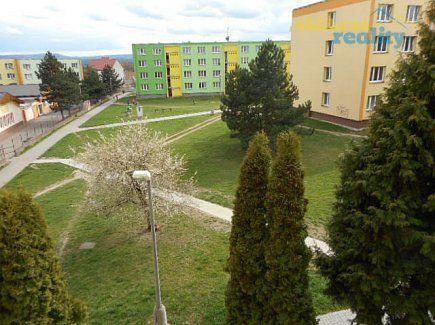 http://www.oblibenereality.cz/reality/prodej-byt-2-1-70-m2-jiraskovo-namesti-postoloprty-1083