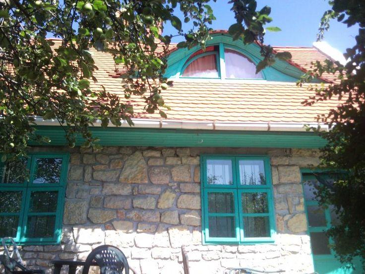 Júlia Vendégház Balatonfüred - Balatonfüred régi városrészében egy nyugodt kis utcában várjuk kedves Vendégeinket. SZÉP Kártya…