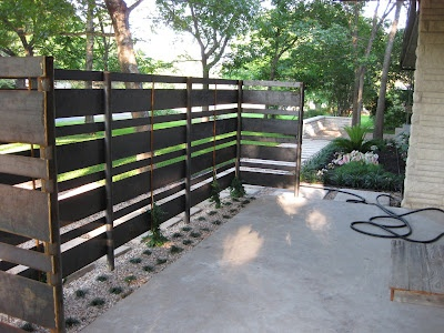 Pallet privacy fence--could we do it lower?