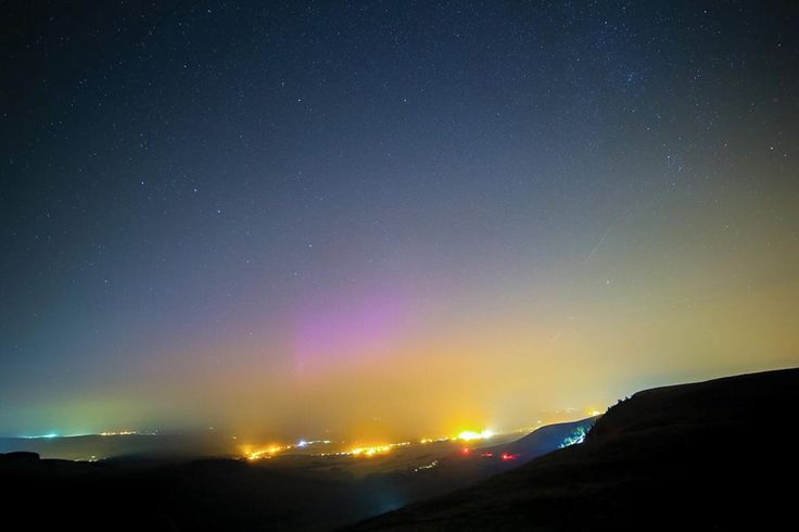 Nortern lights over  Rhigos Mountain RCT south Wales