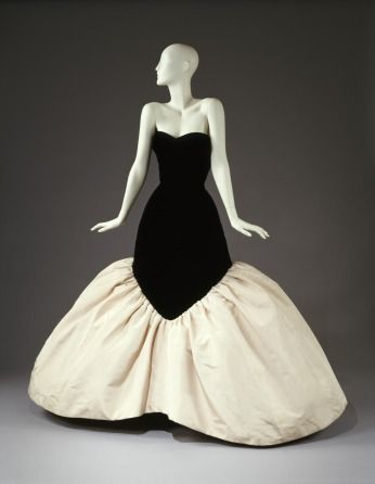 Charles James evening dress, 1956 From the CINCINNATI ART MUSEUM