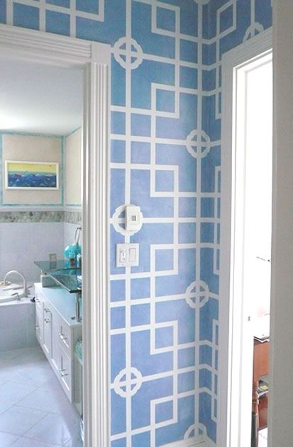 Chinese lattice mural in hallway (would love to see this in fuschia or lime!!)