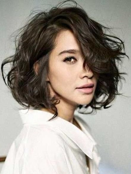 Explore gallery of Short Wavy Hairstyles For Fine Hair (8 of 15)