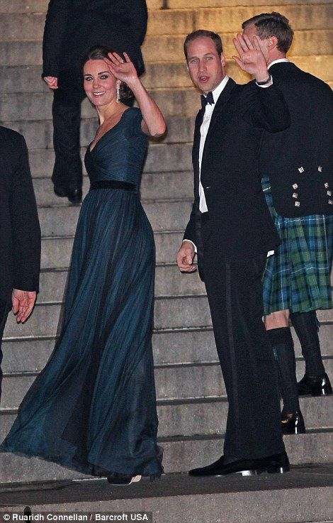 Kate saves the best for last! Pregnant Duchess dazzles in black gown as royal couple attend glitzy Manhattan fundraiser for university where they fell in love | Daily Mail Online