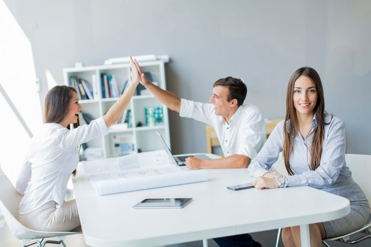 """Para """"impulsar""""una mejor saluden la oficina, usa más luz natural - http://plenilunia.com/novedades-medicas/para-impulsar-una-mejor-salud-en-la-oficina-usa-mas-luz-natural/29715/"""