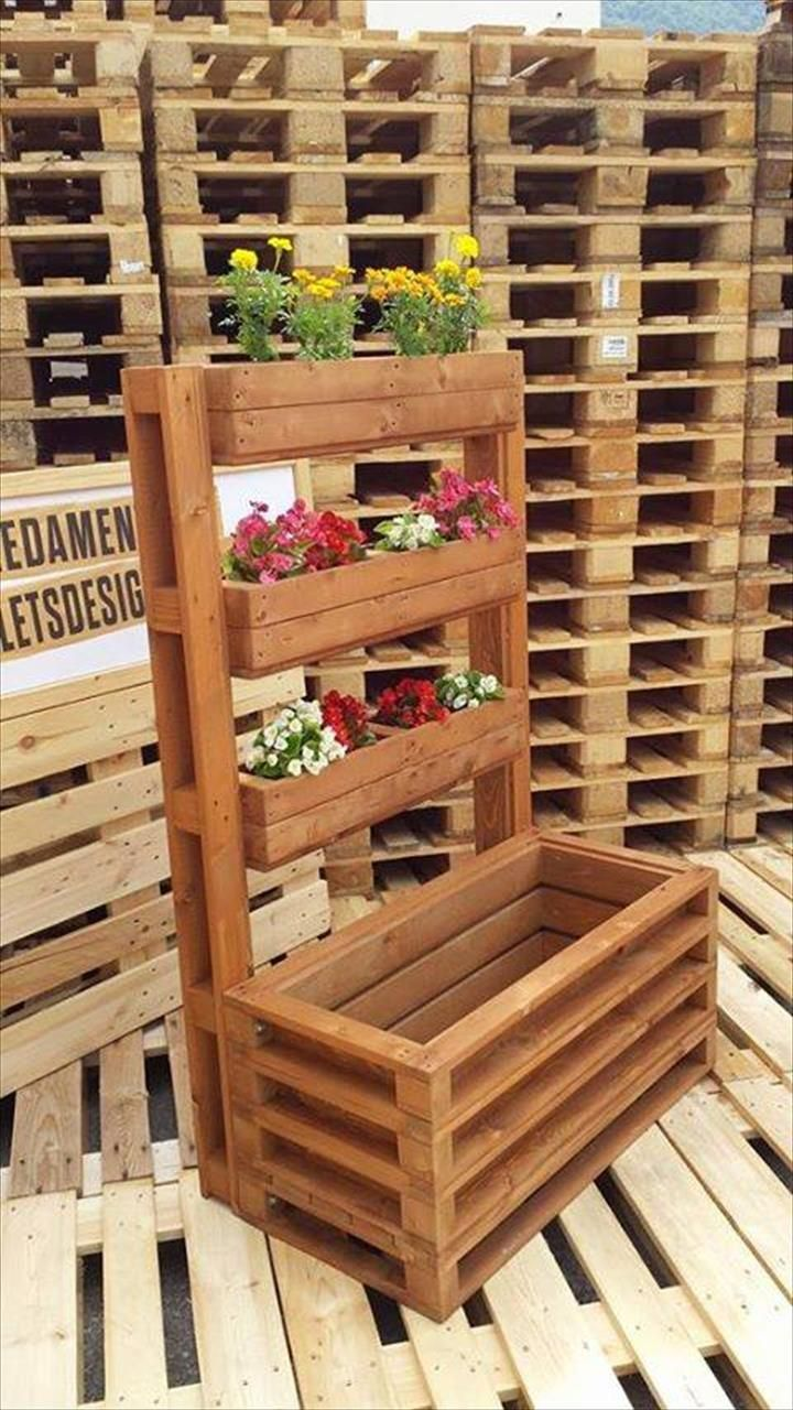 Multi-Tiered Accent #Pallet Flower #Planter - 25 Inspiring DIY Pallet Planter Ideas | 101 Pallet Ideas - Part 4