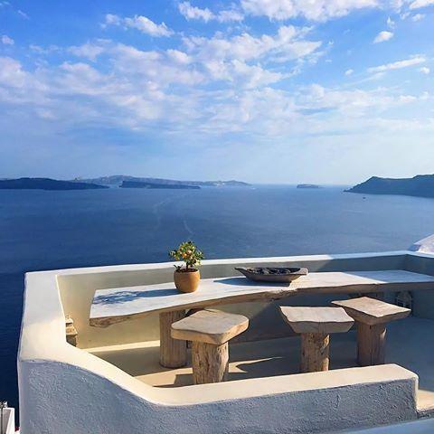 #santorini #greece  Photo by @giorgiacostaa