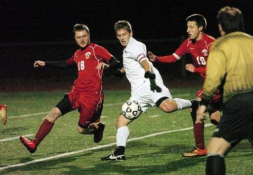 Wildcats win with 10 players, advance to ECC boys soccer final - At the end of the first half of their Eastern Connecticut Conference semifinal soccer match Wednesday, a player from Waterford and from Norwich Free Academy each received yellow cards. Read more: http://www.norwichbulletin.com/article/20131030/SPORTS/131039923 #Connecticut #HighSchool #sports #ECC #soccer