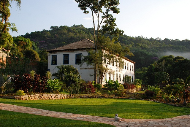 Casarão Penedo, a 19th century mansion close to Rio de Janeiro. It used to be the main building of a large coffee estate, nowdays functions as an event space, restaurant and café.