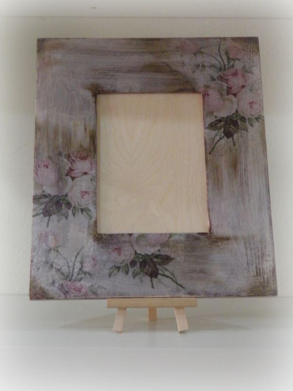 Καθρέφτες - κορνίζες : Κορνίζα με παλαίωση και λουλούδια