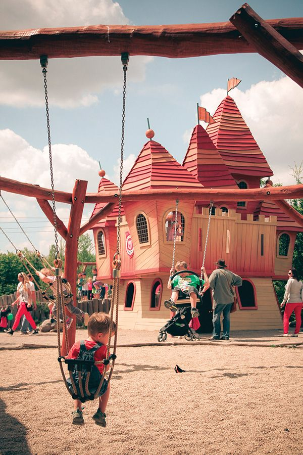 The amusement park MIRAKULUM with area over 25 acres is located in Milovice, which is approx. 40 km from Prague (30 minutes). All attractions promise plenty of amusement and adrenaline for children of all ages, heights and interests.