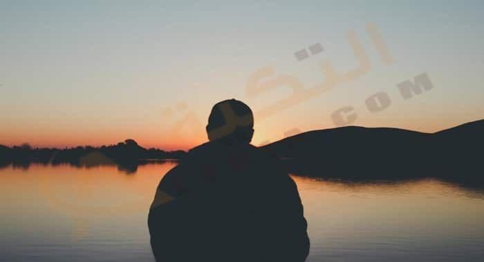 تفسير حلم رؤية الاشتياق في المنام دلالات الاشتياق في الحلم للعزباء والمتزوجة والرجل معنى الاشتياق للحبيب رمز الشوق وال Human Silhouette Silhouette Celestial